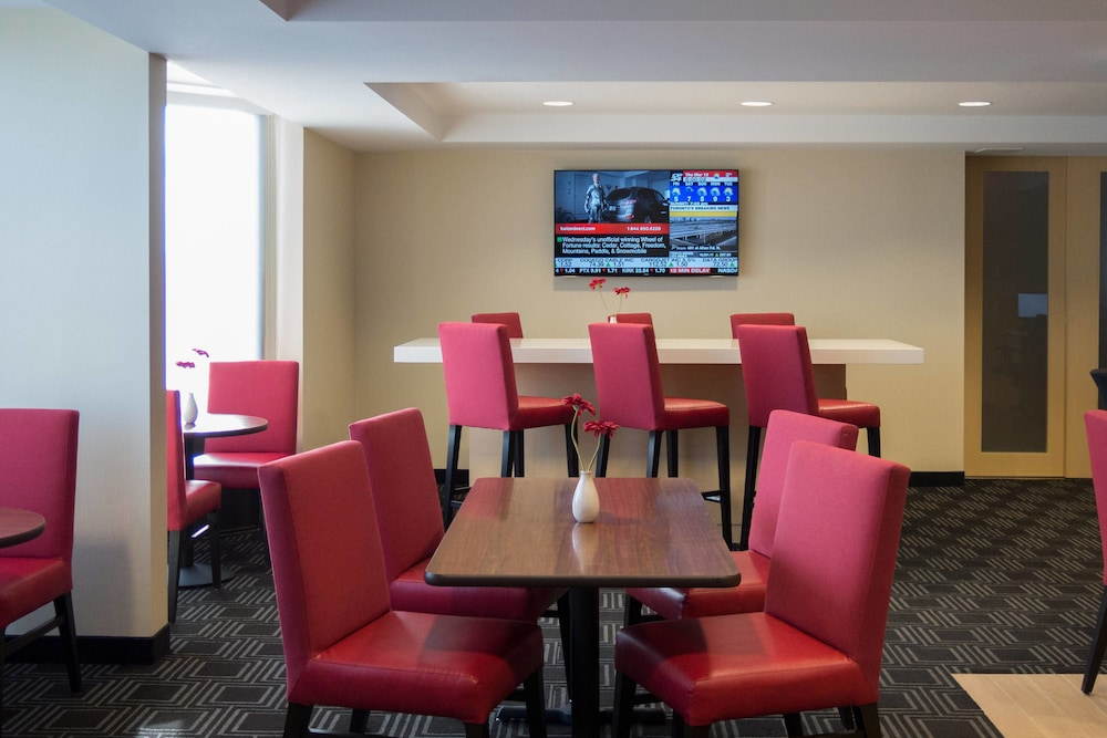 Breakfast Area, TownePlace Suites by Marriott Toronto Northeast/Markham