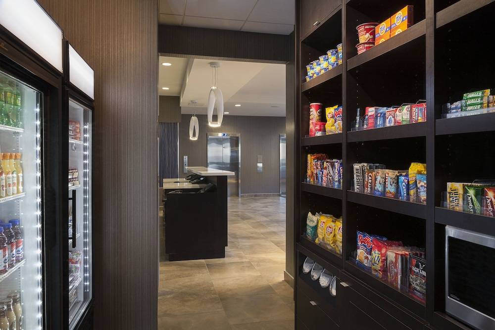 Gift Shop, TownePlace Suites by Marriott Toronto Northeast/Markham