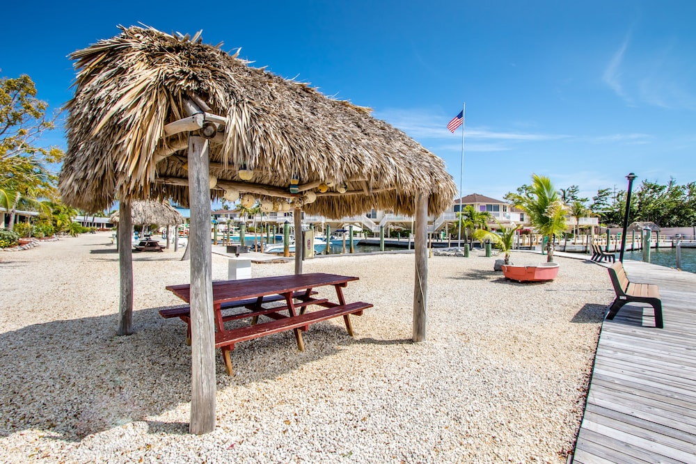 BBQ/Picnic Area, The Reef at Marathon by Capital Vacations