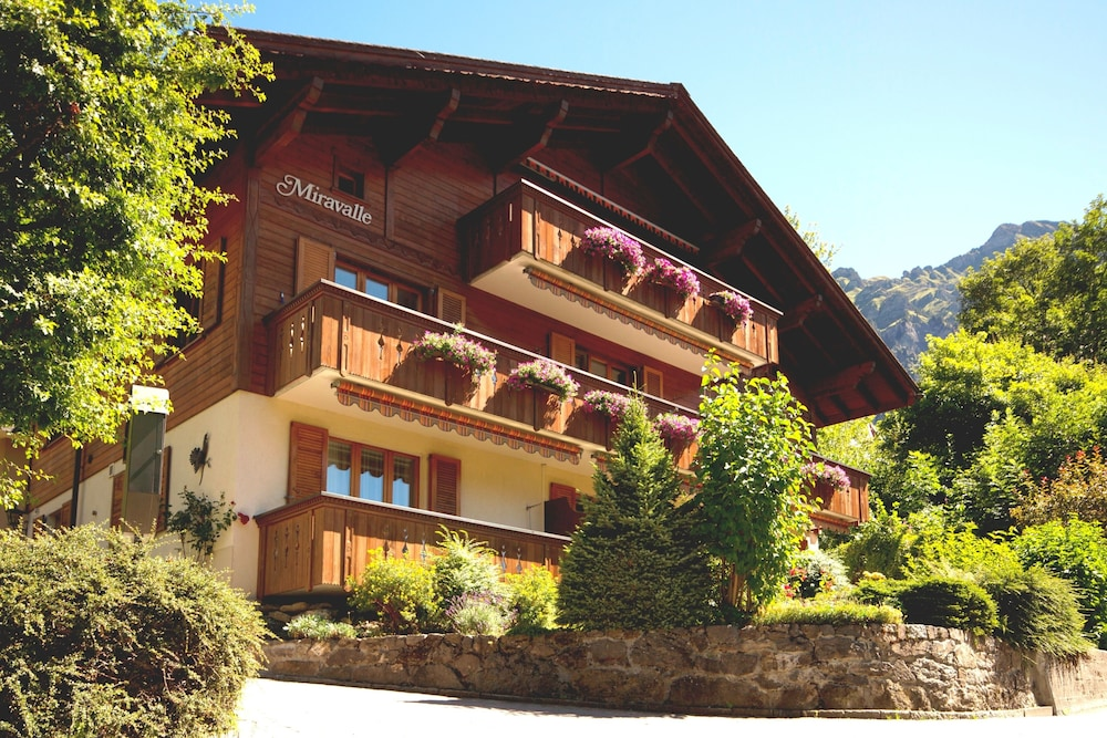 Featured Image, Chalet Miravalle