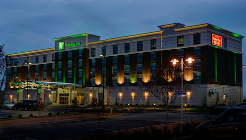 Great Place to stay Holiday Inn Owensboro Riverfront near Owensboro