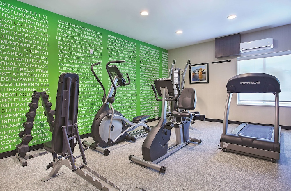Fitness Facility, La Quinta Inn & Suites by Wyndham Chattanooga - Lookout Mtn