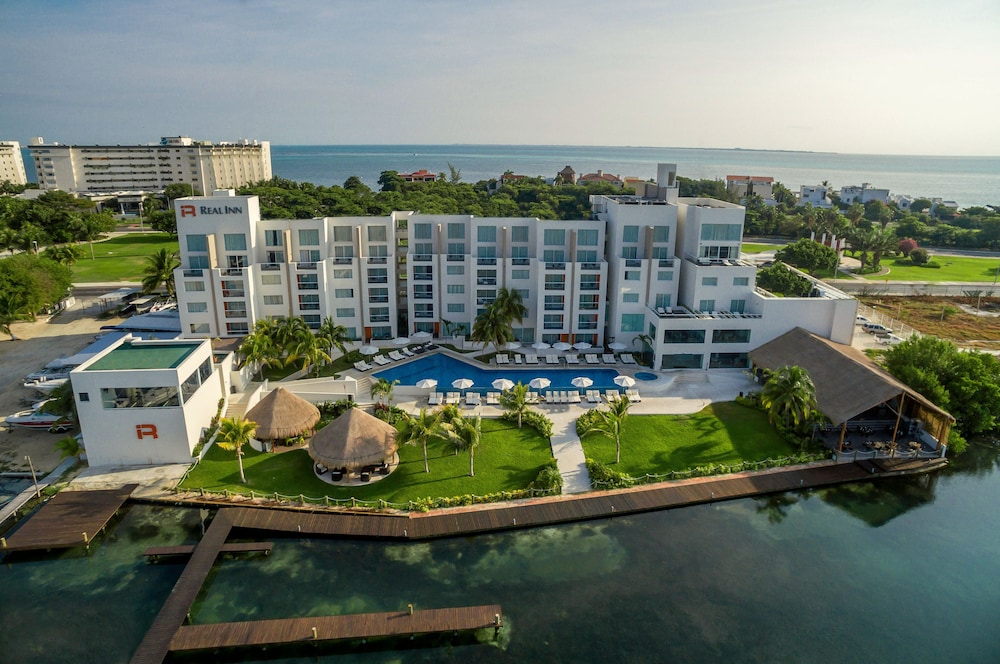 Aerial View, Real Inn Cancun