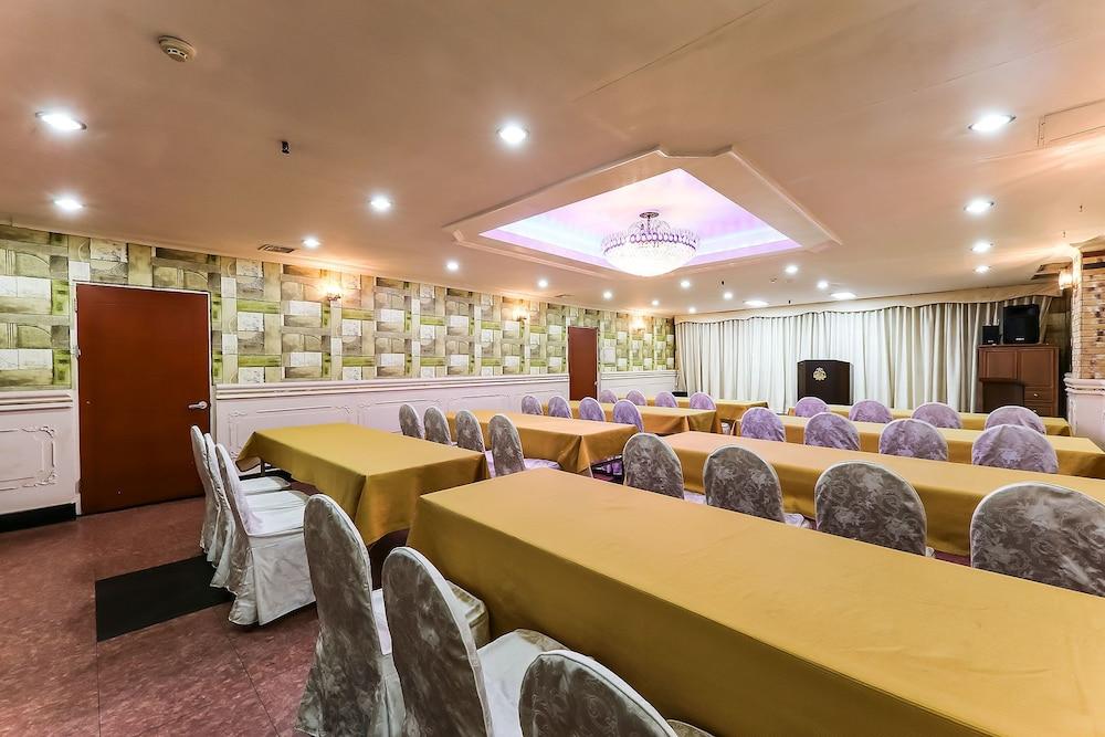 Yuseong Hotel Spa