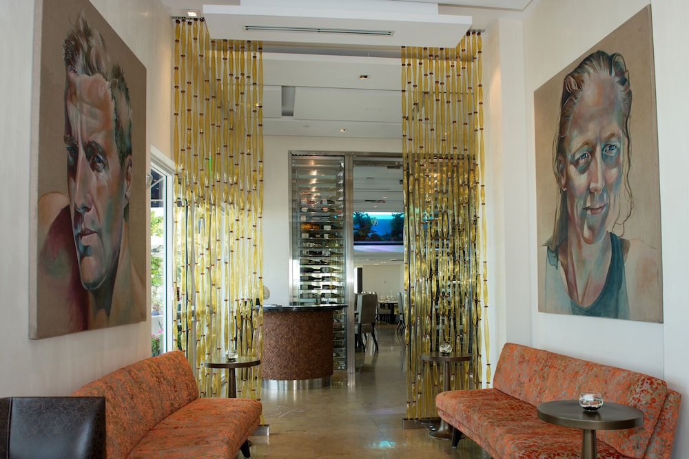Royal Blues Hotel 4 0 Out Of 5 Beach Featured Image Interior Entrance
