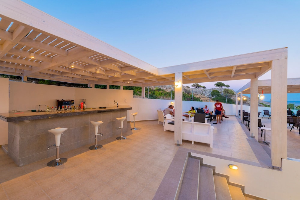 Poolside Bar, Eagles Nest Hotel