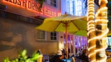 Beds n' Drinks Hostel - Miami Beach Hotels