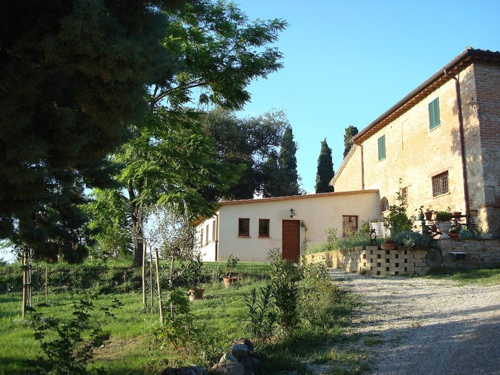 Al giardino degli etruschi chiusi italia - Il giardino degli etruschi ...