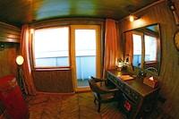Vintage Luxury Yacht Hotel (13 of 34)