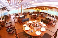 Vintage Luxury Yacht Hotel (9 of 34)