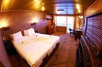 Vintage Luxury Yacht Hotel (2 of 34)