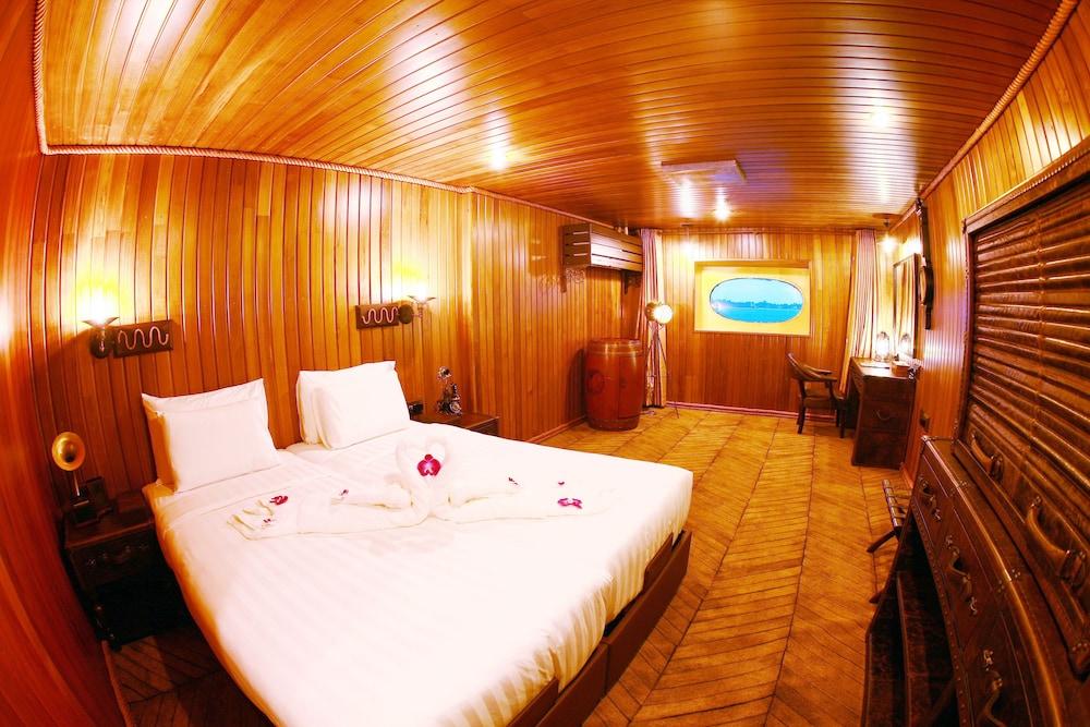 Vintage Luxury Yacht Hotel Deals Reviews Yangon Mmr Wotif
