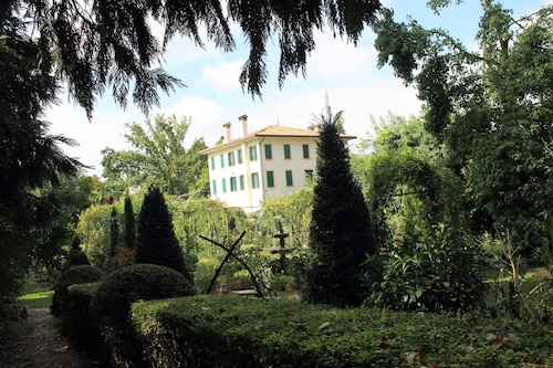 B&B The Home Villa Leonati