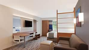 고급 침구, 필로우탑 침대, 책상, 암막 커튼