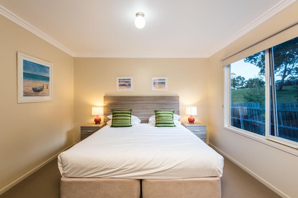 Mcmillans Of Metung Resort Reviews Photos Rates Ebookers Com