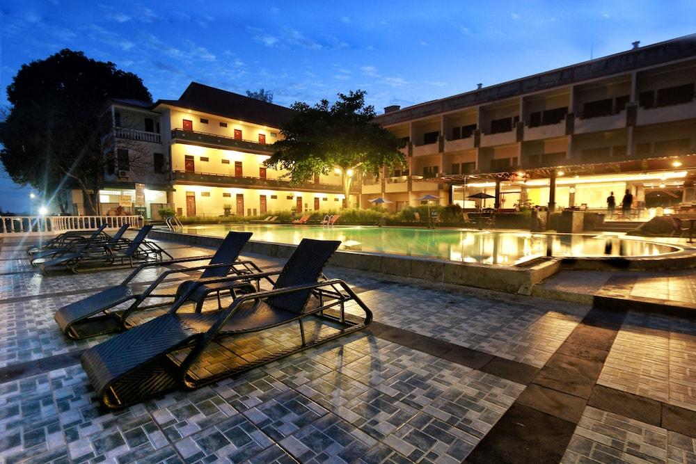 Bintan Agro Beach Resort Spa 4 0 Out Of 5