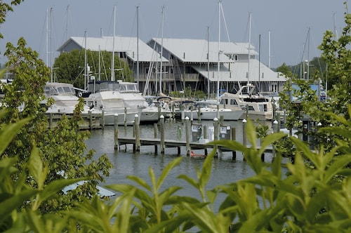 Cheap Hotels in Tilghman - Find $98 Hotel Deals | Travelocity