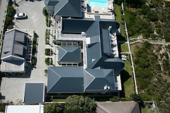 11 Westcliff Road, Hermanus 7200, South Africa.