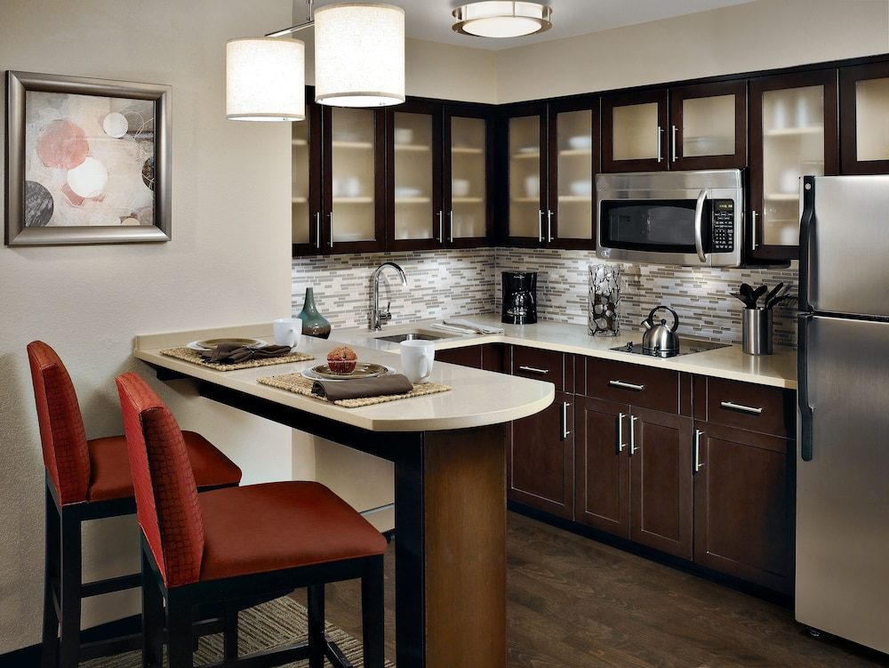 Private Kitchen, Staybridge Suites Lexington, an IHG Hotel