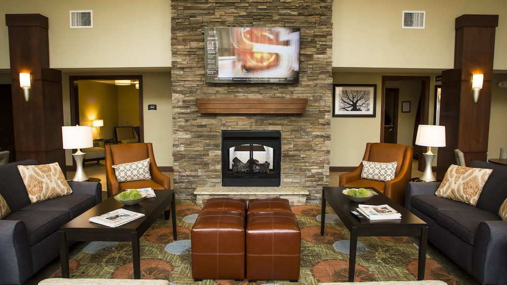 Lobby, Staybridge Suites Lexington, an IHG Hotel