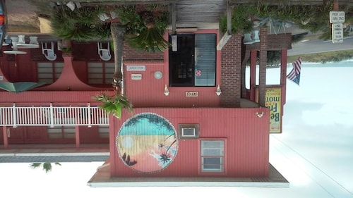 Check Expedia for Availability of Beach Front Motel