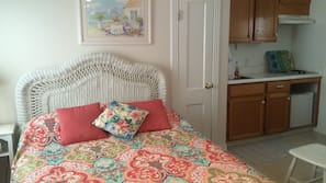 In-room safe, individually decorated, iron/ironing board, bed sheets