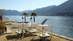 Private beach nearby, sun loungers