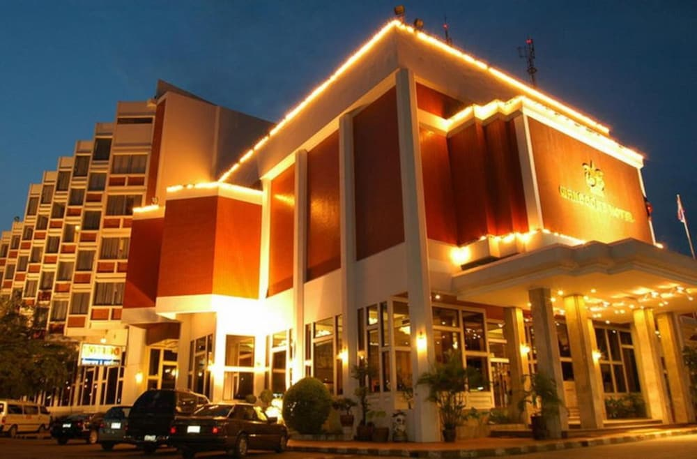 Front of Property - Evening/Night, Wangcome Hotel