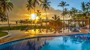 2 piscinas externas