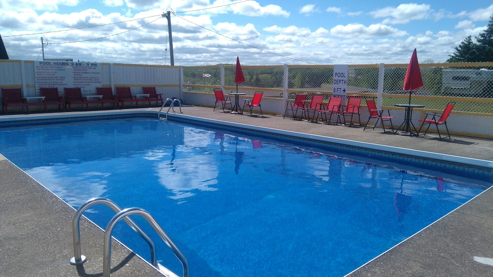 Oasis Motel Campground In New Glasgow Hotel Rates Reviews On Orbitz