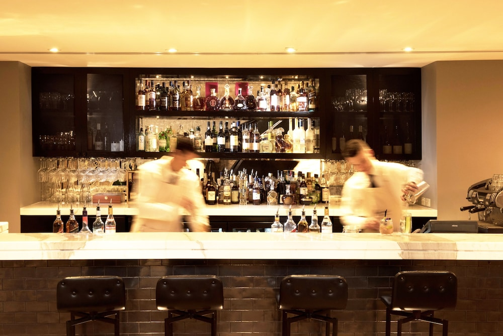Bar, Mayfair Hotel