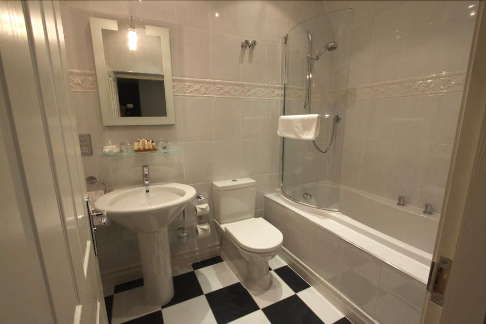 Bathroom, The Mansion House Hotel