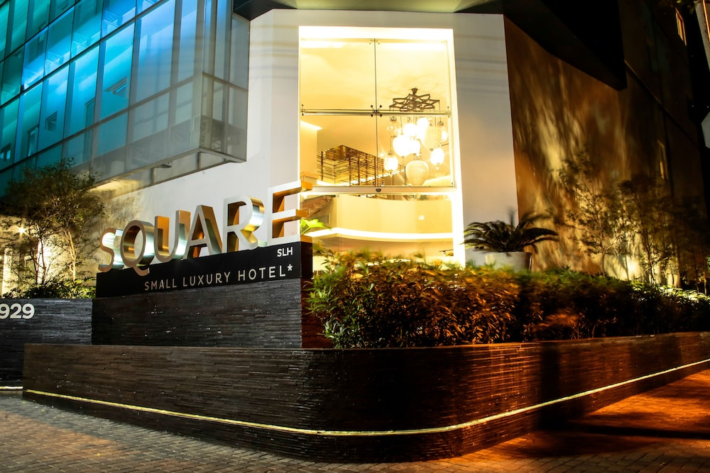 Square Small Luxury Hotel 4 0 Out Of 5 Front Evening Night
