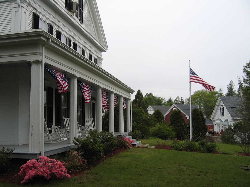 Property Grounds, Liberty Hill Inn