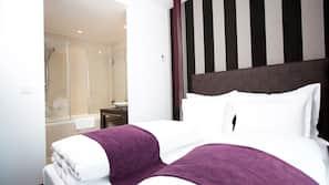 Hochwertige Bettwaren, Minibar, Zimmersafe