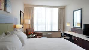 Premium bedding, in-room safe, free cribs/infant beds, free WiFi