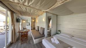 2 slaapkamers, een kluis op de kamer, individueel gemeubileerd