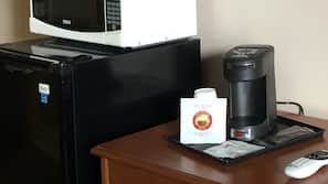 Desk, soundproofing, free WiFi