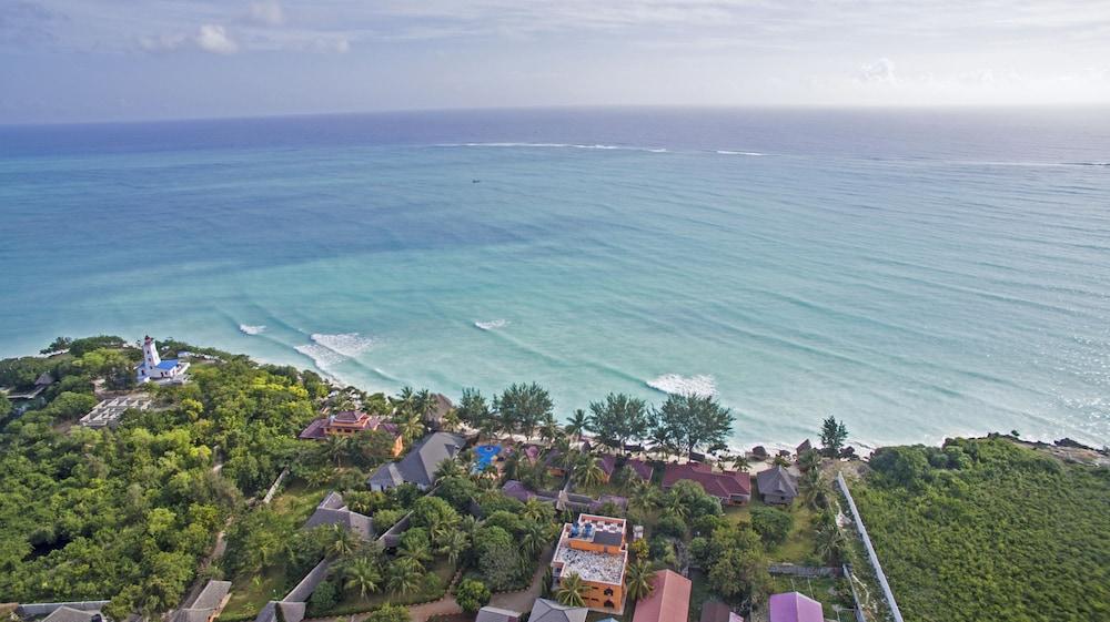 Enjoyable Mnarani Beach Cottages 2019 Room Prices 99 Deals Download Free Architecture Designs Rallybritishbridgeorg