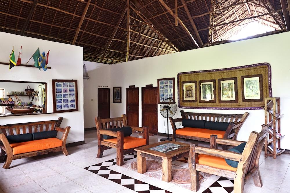 Magnificent Mnarani Beach Cottages 2019 Room Prices 99 Deals Download Free Architecture Designs Rallybritishbridgeorg