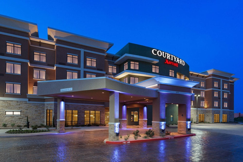 Featured Image, Courtyard San Angelo