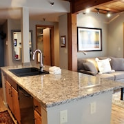 The Wood Creek Lodge by Crested Butte Lodging