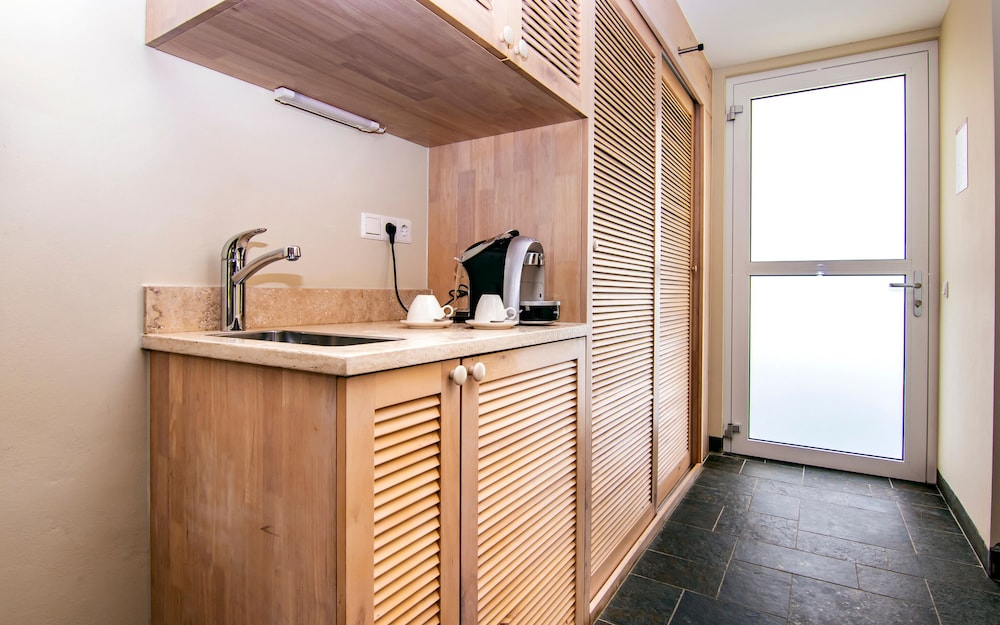 Private Kitchenette, Bayside Boutique Hotel