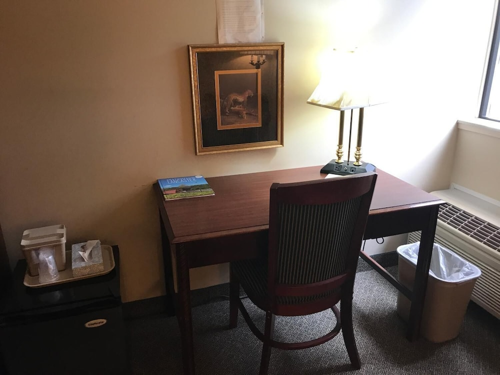 Room, Lititz Inn & Suites