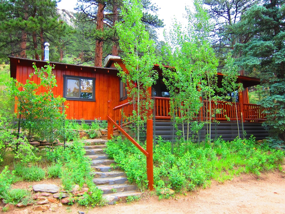 Amberwood reviews photos rates for Rocky mountain state park cabins