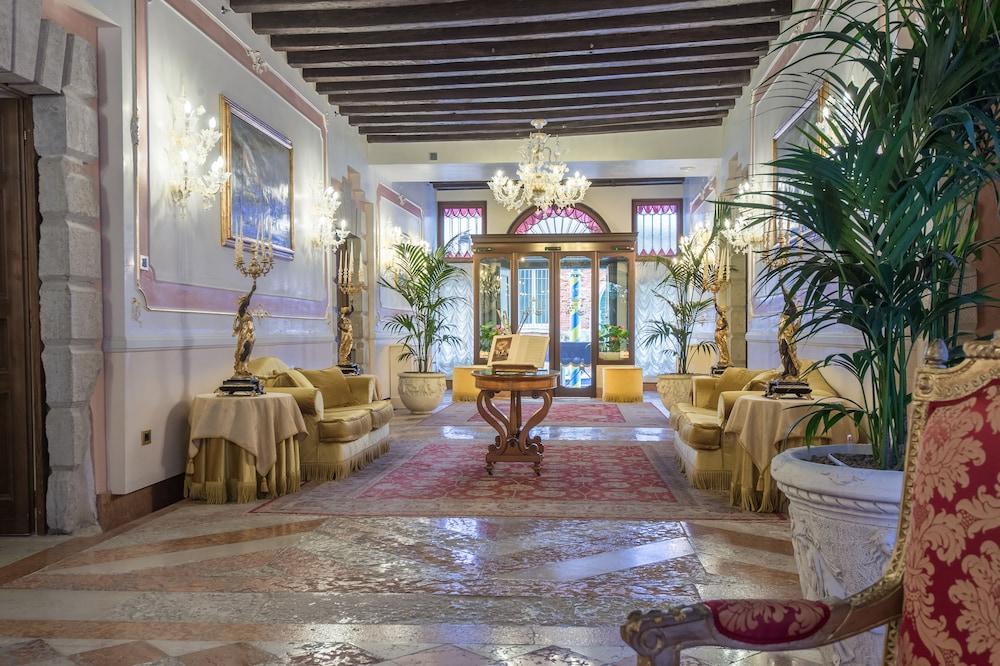 Hotel Ai Cavalieri di Venezia: 2018 Room Prices from $261, Deals ...