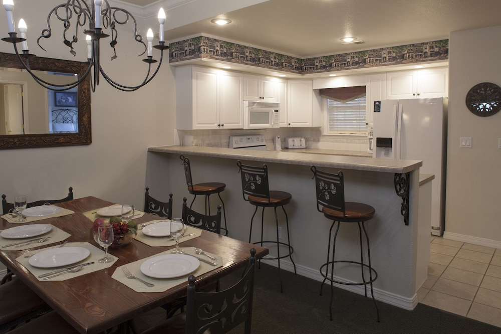 Private Kitchen, French Quarter Resort by Spinnaker Resorts