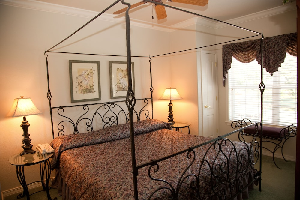 Room, French Quarter Resort by Spinnaker Resorts