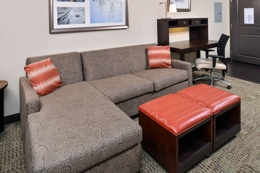 Room, Staybridge Suites Rochester - Commerce Dr NW