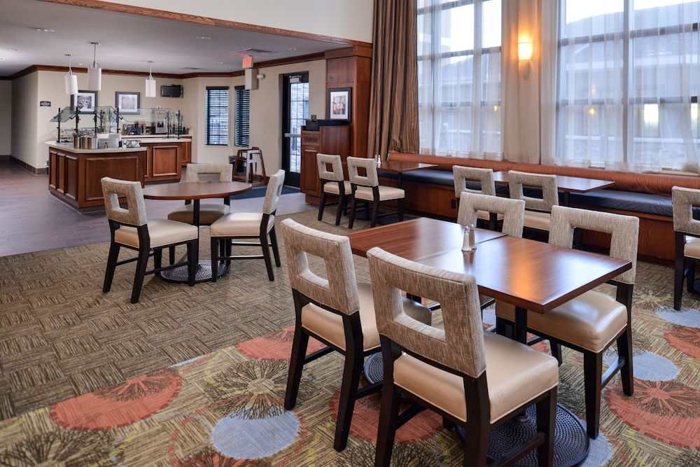 Breakfast Meal, Staybridge Suites Rochester - Commerce Dr NW